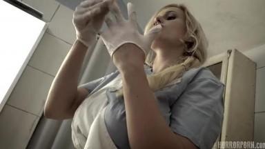 【奇幻猎奇】异形怪医生诊室强操看牙医的漂亮美女 操完美女接着干爆乳骚护士 射精到杯里再给美女喝